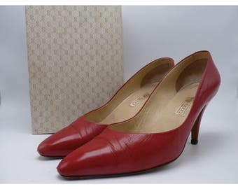 GUCCI Vintage Red Leather Heels / Pumps In Original Box