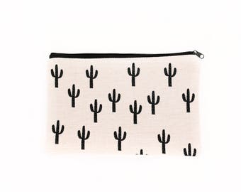 White and Black Cactus Makeup Bag, Cactus Makeup Purse, Tote Bag, Black and White bag, gift for bridesmaid, Desert Landscape, Cosmetic Bag