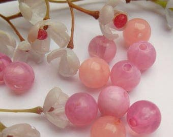 set of 10 plastic round beads