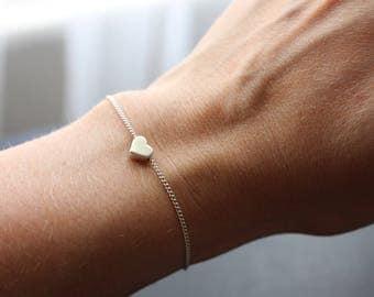 Heart bracelet, rose gold heart bracelet, silver heart bracelet, heart charm bracelet, gift for mum, gift for girlfriend, gift for wife