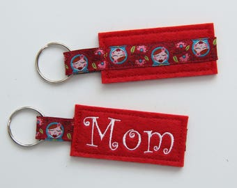 "Key Ring ""Mom"" red"