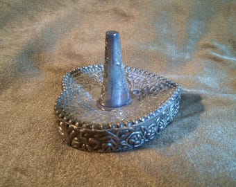 International Silver Ring Holder