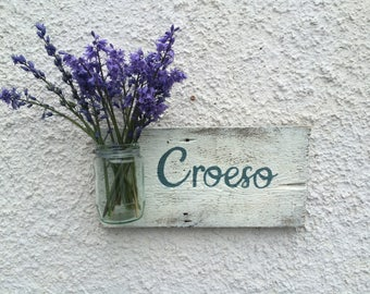 Croeso Home Flowers Sign