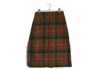 Scottish tartan skirt / checked wool pencil skirt / vintage short skirt / autumn colours skirt / small pencil skirt / 70s tartan wool