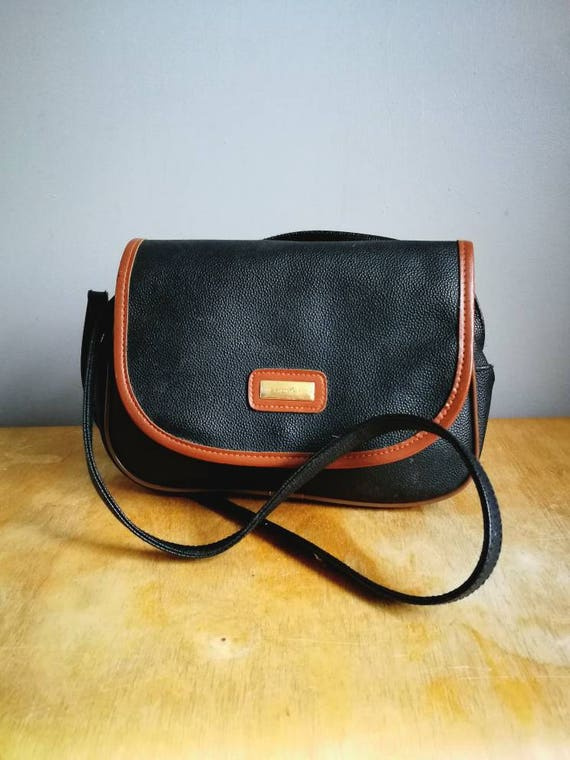 Vintage black handbag / Faux leather black and brown shoulder purse / two tone purse / 90s black faux leather shoulder bag / 90s grunge bag