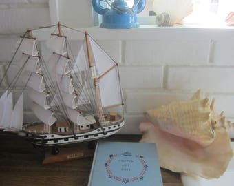 Clipper Ship Days- The Golden Age of American Sailing Ships by John Jennings, Pub. 1952 -