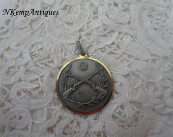 Vintage gun medal
