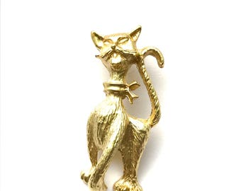 Golden Kitty Cat Brooch Playful Feline Figural Brooch Snagglepuss Lookalike Cat Pin