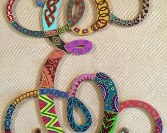 """Hand Painted Bohemian Quilt Design Decorative Letter """"E""""  12""""Hx""""12""""Wx.5""""D  W0143"""