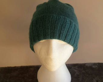 Blue Hat / green hand knit