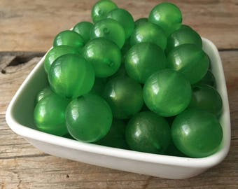 20mm Green Glitter Powder Chunky Bead, Christmas Bubblegum Bead, Acrylic Bead, DIY Chunky Necklace, 10 Count