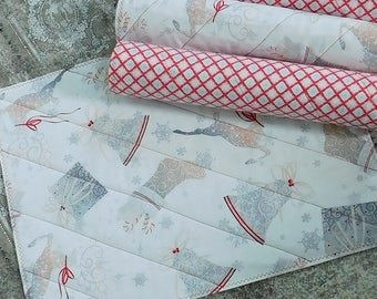 Christmas Placemats - Quilted Placemats - Home Decor - Christmas Decor - Table Decor - Reversible Placemats - Fabric Placemats - Table Linen