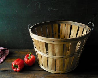 Large Vintage Bushel Basket ~ Farm Market, Country Cottage Decor, Halloween & Fall Harvest Party Prop -Storage /Organization, Barn Wedding