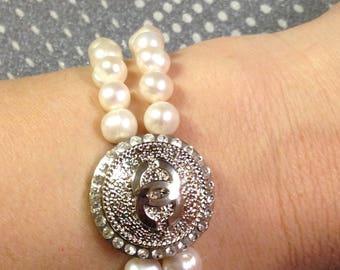 Genuine fresh water pearls stretch bracelet with designer button