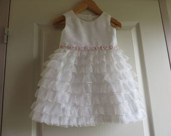 June challenge Marriage: dress parade wedding in white with Ruffles (18-24 m)