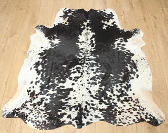 Western Cowhide Rug - Beautiful Black & White - Luxurious Cowhide Rug - Approx 160 Cm X 157 Cm - D24