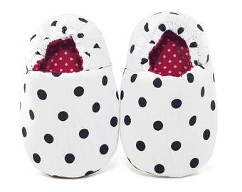 White and Black Polkadot Soft Soled Baby Shoes | Fabric Baby Shoes | Handmade Baby Booties | Prewalker Shoes | Non Slip Baby Shoes