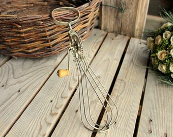 Antique Eggbeater - French Handheld Egg Beater - Wood Handle - Antique Kitchenware - French Kitchen - Cottage Chic Decor