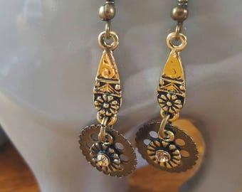 Golden Steampunk Earrings |