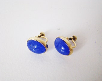 Vintage Signed 12K GF Egyptian Revival Carved Scarab Beetle Screw Fit Earrings Royal Blue Glass