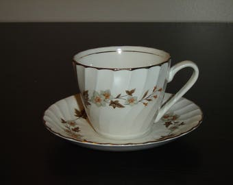 H. Aynsley 34 brown leaf flower cup and saucer VGU