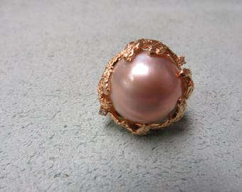 Mabe Pearl and Diamond Ring 14 Karat Yellow Gold Size 6