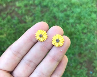 Yellow flower earrings, with surgical steel posts