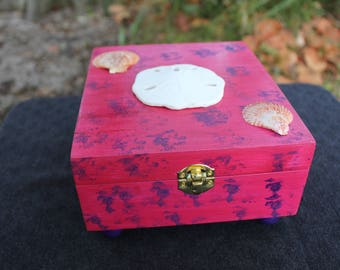 Pink and Purple Seashell-themed Keepsake Box