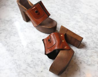 1970s Platform Purse Shoes { 7 } Wood Leather Heels