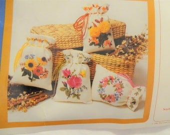 Creative Circle Crewel Embroidery Kit Pretty Parcels Bags FREE Shipping USA