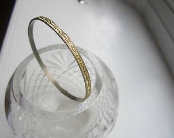 Vintage 12kt Gold Embossed Bangle Bracelet