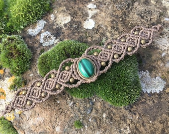 Macrame bracelet malachite with a bronze setting - color beige