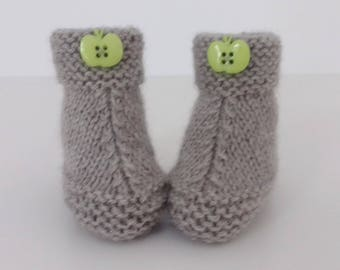 newborn to 12 months baby shoes Handmade wool knit Earth