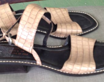 REDUCED! Donald Pliner women's beige patent leather strappy sandals 8 Narrow