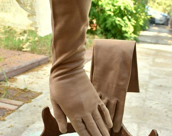 SALE! Vintage 1940s-50s 6 1/2 Aris Made in Italy Tan Light Brown/Beige Faux Suede Glove Medium Length Italian Gloves Imported Gloves Italy