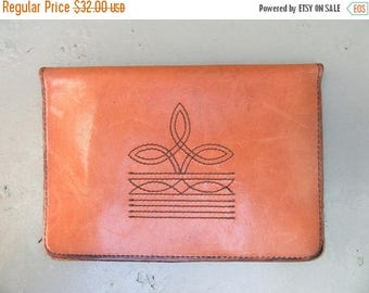 Sale Vintage 1970s Mens Cowboy Leather Wallet Oversized Bifold Western Detail Stitching Cowboy Boot 70s