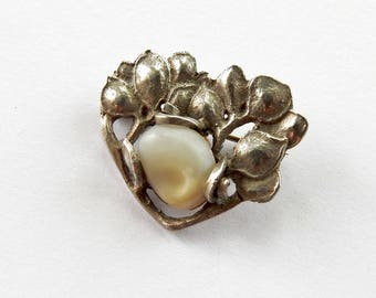 Antique Art Nouveau Silver and Shell Brooch