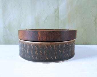 Rare Jens Quistgaard Ceramic Ashtray with Rosewood Lid by Kronjyden, Nissen - Danish Modern Typography Design