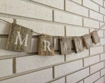 Rustic Mr & Mrs Wedding Decoration Wood Block Banner