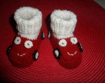 """Car"" baby booties in wool (0-3 months)"
