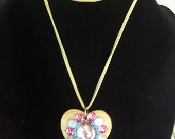Yellow necklace with mother of Pearl Heart and rhinestone