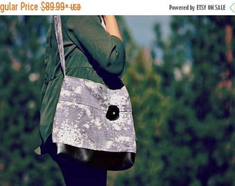 CHRISTMAS SALE Conceal Carry Purse, Medium Messenger Bag, Grey Floral, Conceal Carry Handbag, Concealed Carry Purse, Conceal and Carry, Grey