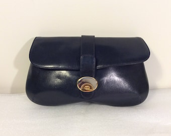 Vintage Gucci leather clutch