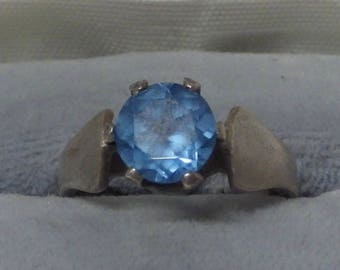 925 Sterling Ring with blue stone size 6 and 1/2