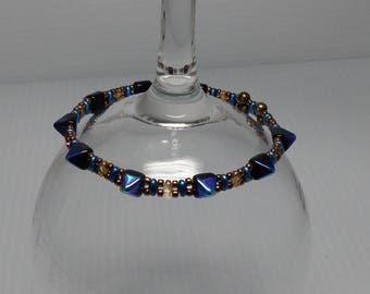 Czech Pyramid and Mini Duo Beads Stretch Bracelet