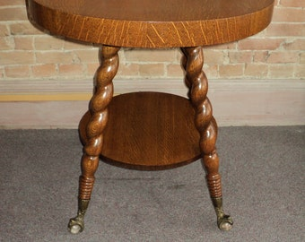 Antique Quarter Sawn Oak Round Parlor Table, w. Claw Feet , Shipping is not free