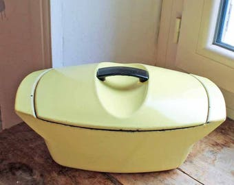 Vintage  Le Creuset Enamel Dutch Oven Casserole Pan / Designed by Raymond Loewy in 1950's, designer kitchen ware