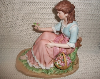 """Home Interiors """"Behold the Beauty"""" Figurine #14010"""