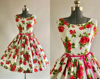 Vintage 1950s Dress / 50s Cotton Dress / Pink and Red Rose Print Dress XS/S