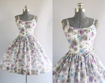 Vintage 1950s Dress / 50s Sun Dress / Purple and Blue Floral Dress w/ Original Waist Tie S